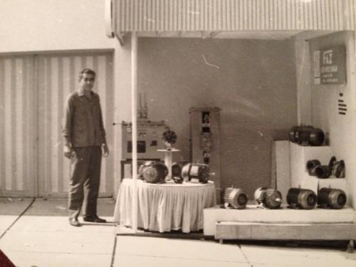 Ahmet Taner FAZ Elektrik'in ürünleri ile İzmir Fuarında